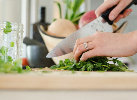 10 Cooking Tips Everyone Transitioning To A Plant-Based Diet Should Read