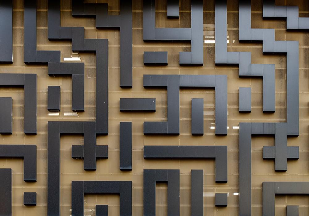 black block wooden maze