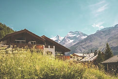 On this weekend trip from Geneva we will head to the beautiful Saas-Fee valley.  Surrounded by many 4000m peaks and its many cable cars it is a great location for hikes, mountain biking, climbing, or even just enjoying the spectacular alpine scenery.