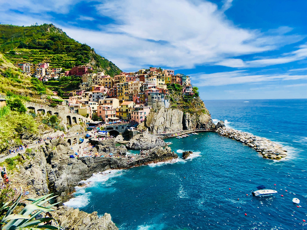 world's best hike is cinque terre in italy for the day