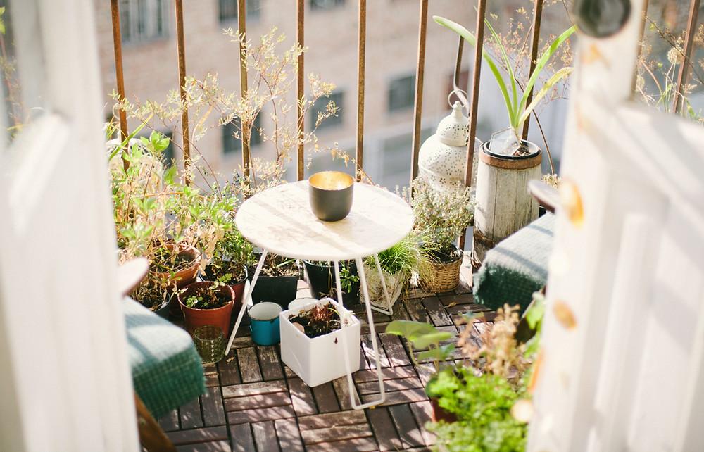 garder bouteille froide sur balcon