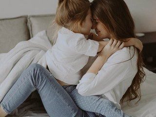 5 Reasons That a Hug Boosts Your Mental Health