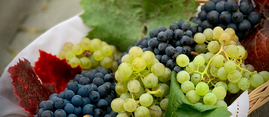 4 Ways To Devour Grapes Better, According to Health Experts
