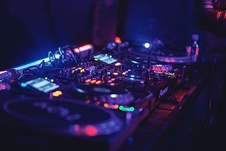 On parle de NJ DJ - DJ à Paris