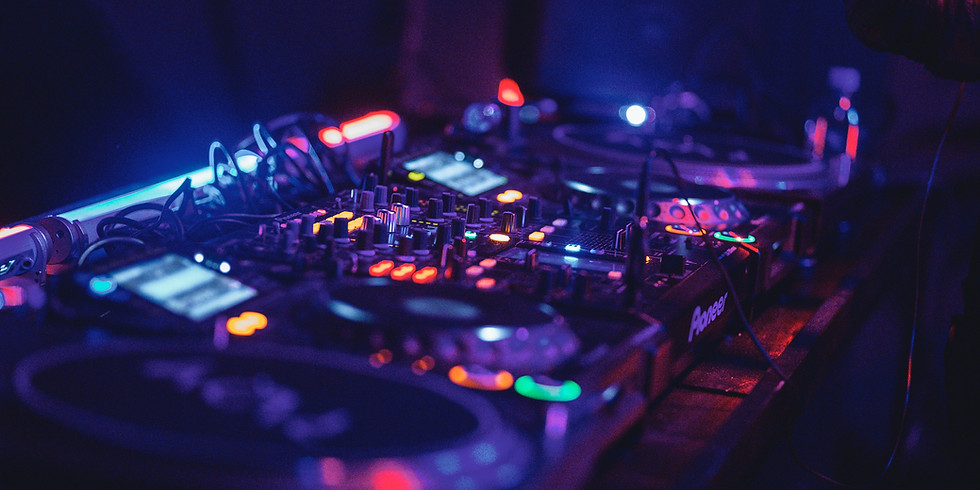 Live music with DJ Charlie Anderson