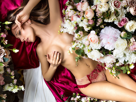 Top Five Floral Aphrodisiacs for Aromatherapy