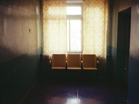Öykü- Deniz Köker- Bekleme Odasında