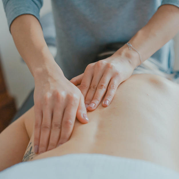 MASSAGE OR RELAXING FACIAL