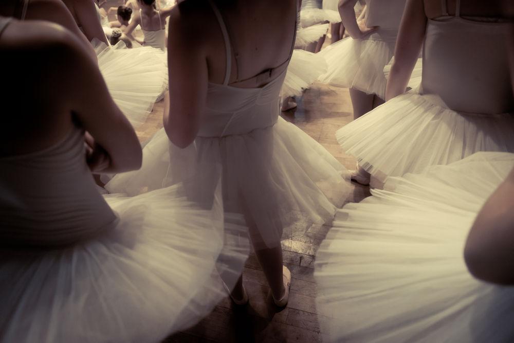 福原バレエスタジオは2021年4月で2年目を迎え、初めての発表会開催が決定しました。 今回はバレエ団からのご厚意により、スターダンサーズ・バレエ団発表会に参加させて頂くことになりました。詳細は…