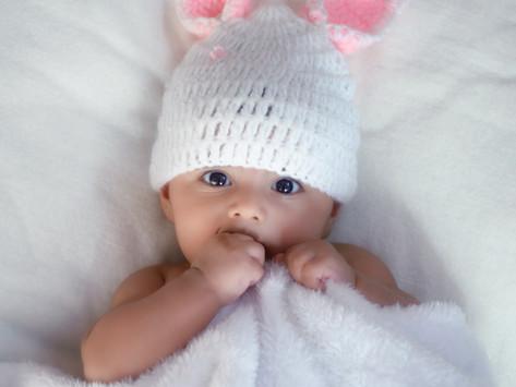 Neuwertige Babykleidung zu verschenken
