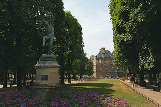 Luxembourg Gardens, Paris (Image by J Shim) | The Organised Explorers