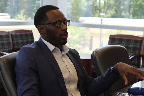 Afro American manager is providing career coaching