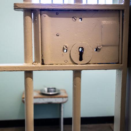 De Wet straffen en beschermen: 'straf is straf' en 'in de bak is aan de bak'