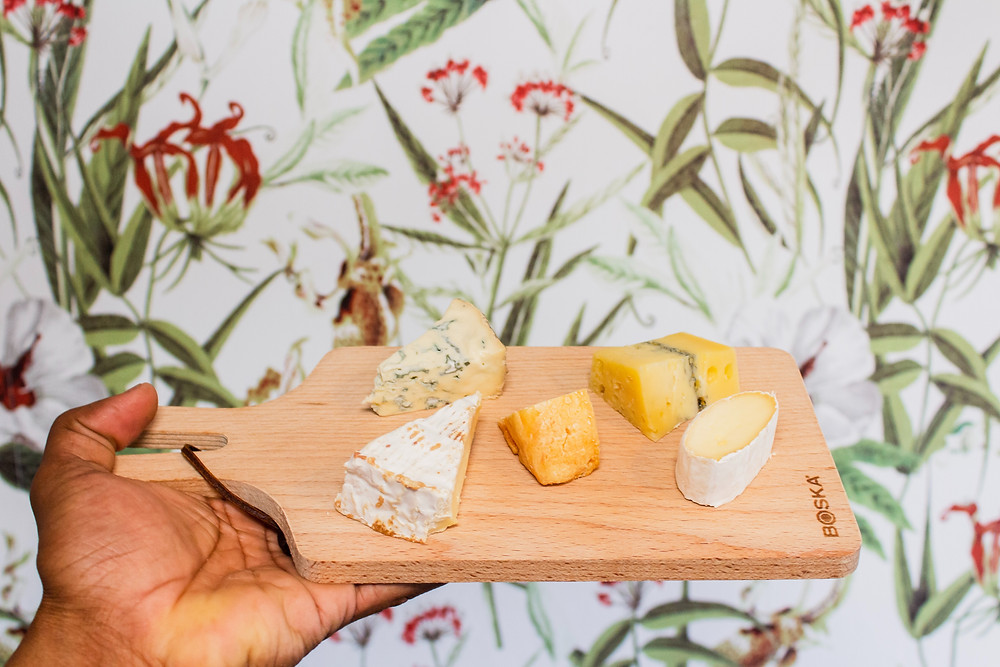 cheese board with brie, stilton, soft cheese, mould-ripened cheese, foods to avoid when pregnant