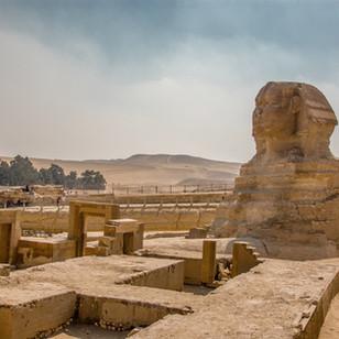 The roaring trade of illicit antiquities