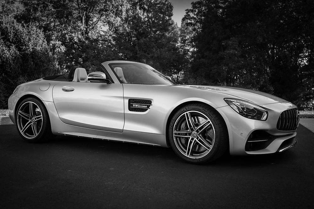 AMG: bu üç harf, yüksek otomobil performansını, seçkinliği, verimliliği ve yüksek dinamizme sahip sürüş keyfini dünya çapında temsil eder.