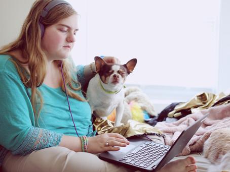 Escuchar música en el trabajo mejora la productividad
