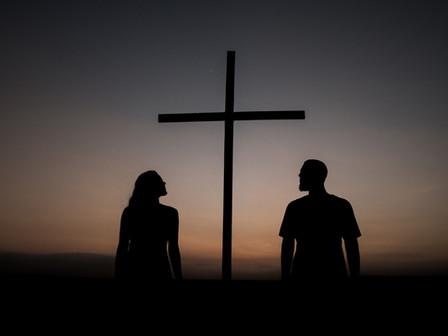 Amándolo al pie de la Cruz