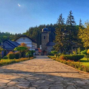 REASONS TO VISIT AND LOVE BOSNIA AND HERZEGOVINA