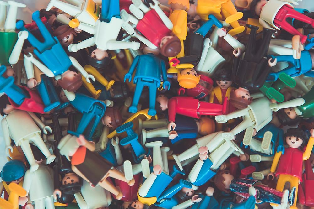 Crowd, Crowdfunding, Playmobil, bunte Menschen
