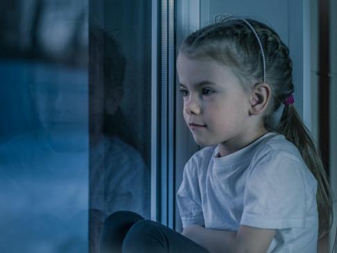 Postępująca neuropatia odbiera dziewczynce wzrok. Czemu? Nie wiadomo.