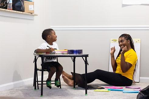 Une large variété de disciplines et de cours scolaires à domicile