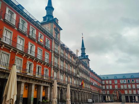 Cómo ir de Madrid a Barcelona (y viceversa)