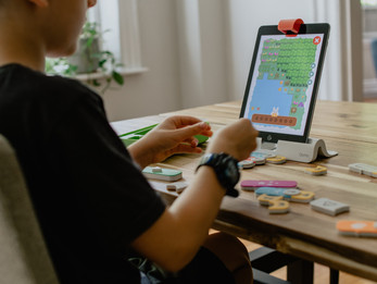 Choosing the right coding camp for your child