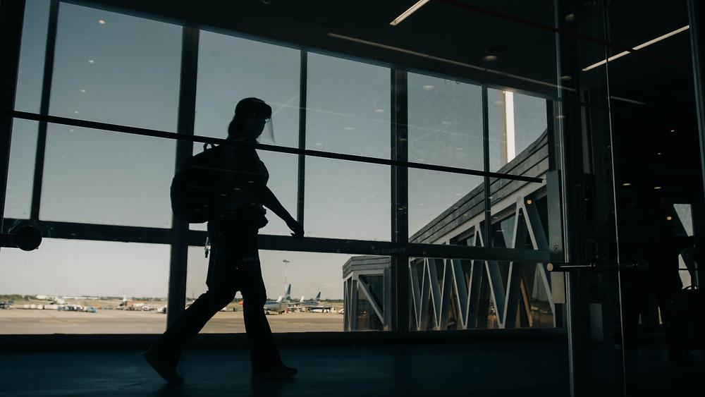 Tout ce qu'il faut savoir sur restrictions aux voyageurs arrivant en France : septaine, test PCR...