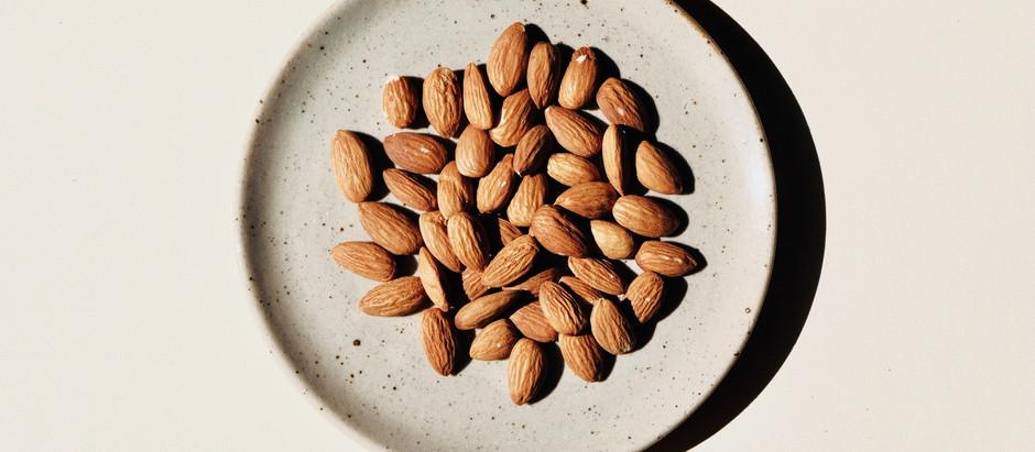 Mandorle e dimagrimento, quando le mangi assorbi meno calorie rispetto a quelle teoriche