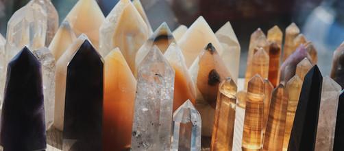 Despre cristale si pietre semiprețioase