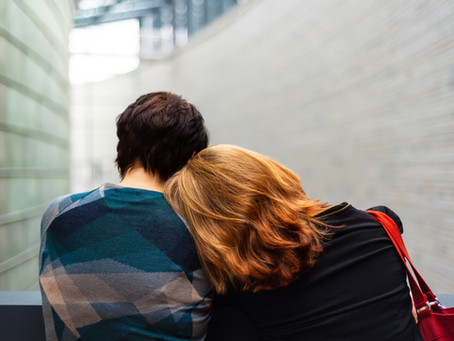 Three Ways to Help Your Friends Who Are Grieving Online