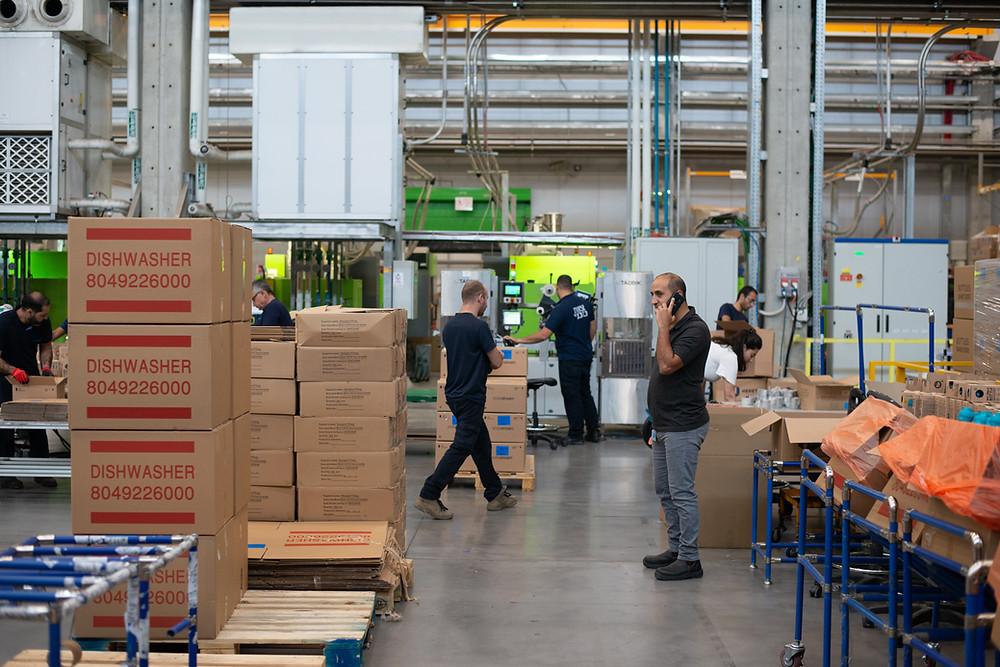 manage warehouse effectively