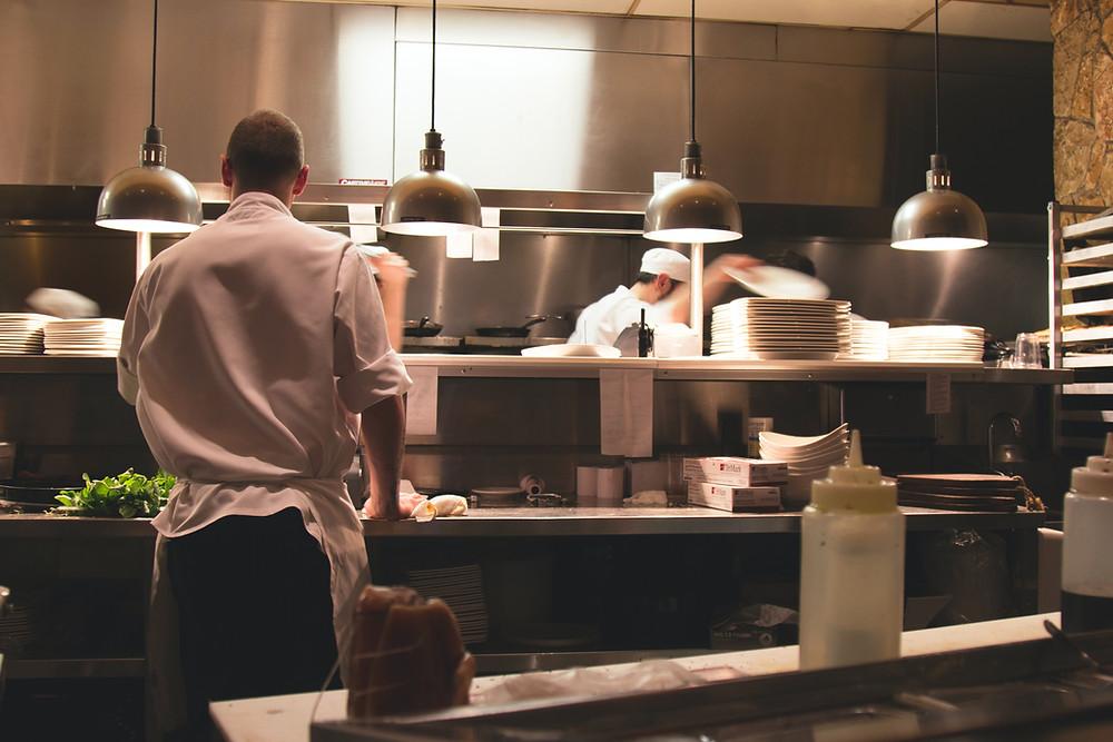 Koch in der Restaurantküche
