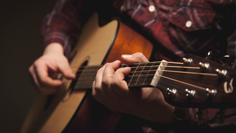 Live music with Wesley Tilghman