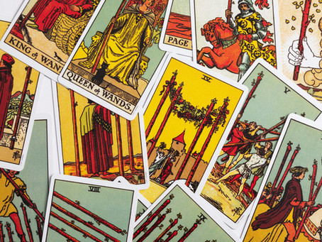 Learn About The Intricacies and Benefits of Tarot Reading
