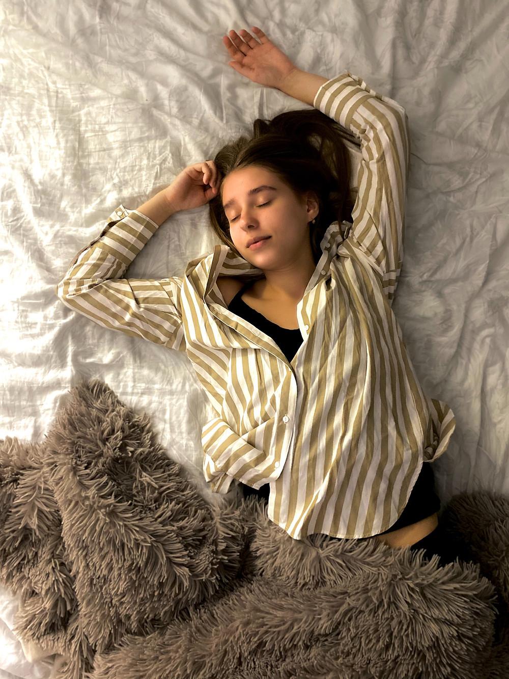 woman sleep insomnia