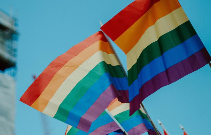MÊS DO ORGULHO LGBTQIA +: conheça alguns dos marcos históricos da comunidade